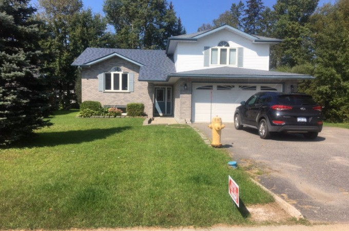 8 St. Peter Court, Lively, Greater City of Sudbury