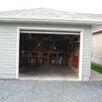 NEWER VALLEY BUNGALOW + GREAT DET. GARAGE PRIV SALE