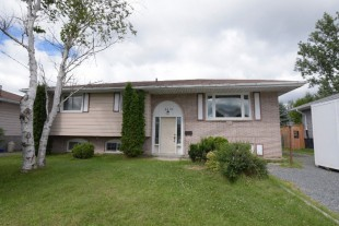 3 + 1 Bedroom Home for Sale in Val Caron